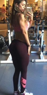 """Es conocida como la """"Diosa colombiana del fitness"""" Foto:Vía instagram.com/anllela_sagra"""