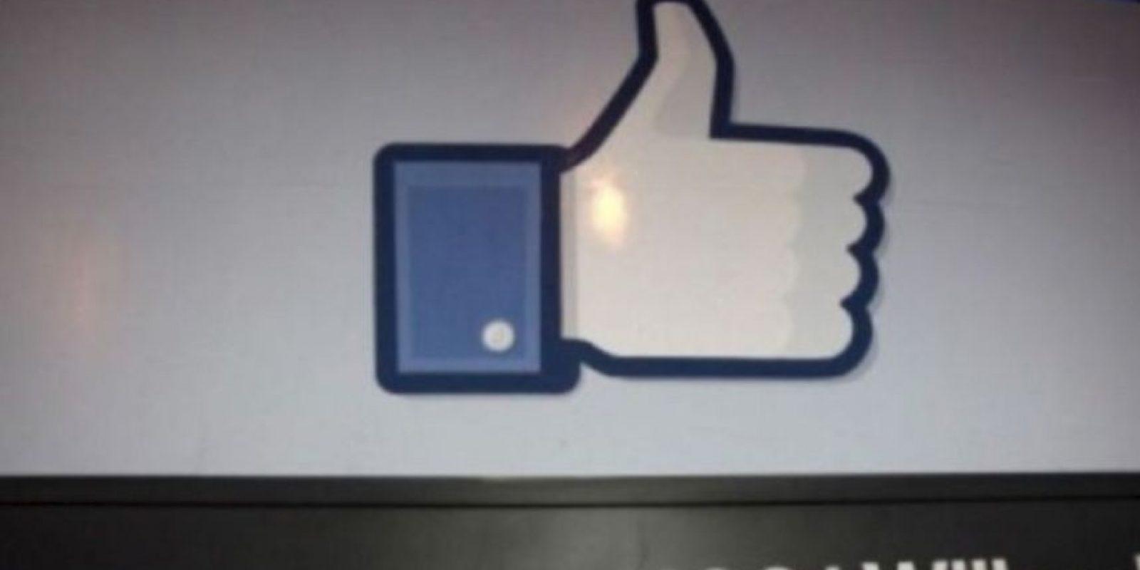 A continuación, en la barra de dirección de Facebook escriban: https://www.facebook.com/(nombre de su novi@)?and=(nombre de la otra persona) y den clic en ENTER. Foto:vía Getty Images