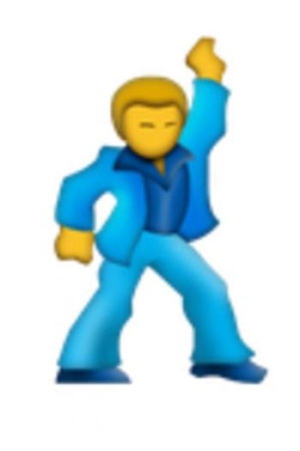 Hombre bailando. Foto:vía emojipedia.org