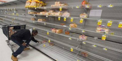 Escasez de víveres se registra en supermercados de toda la región. Foto:EFE