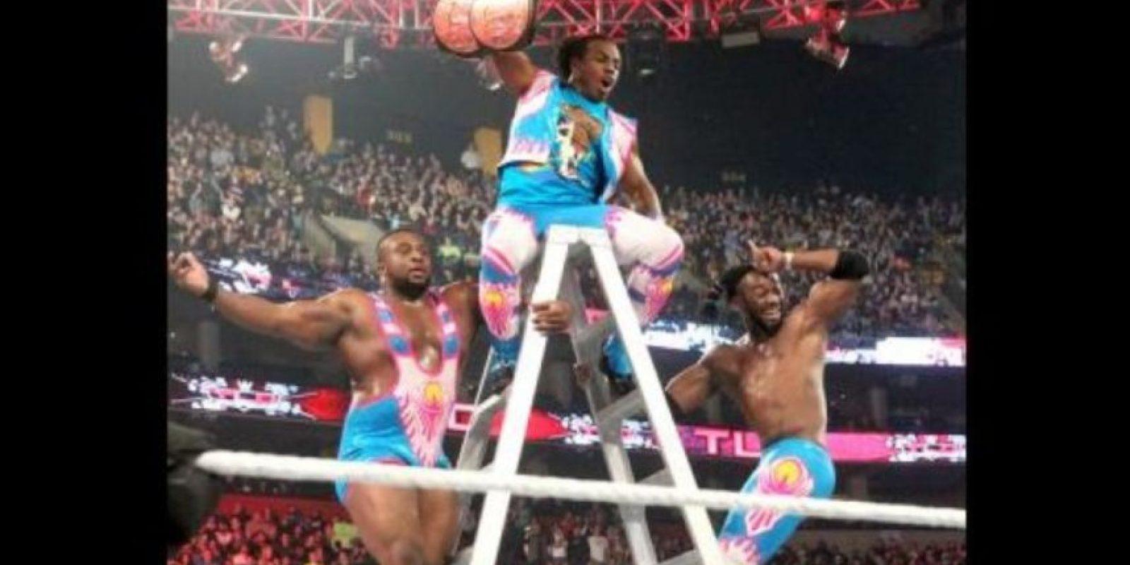 La pelea por el Campeonato en Parejas fue la más atracitiva de TLC, el último PPV del año de WWE. Foto:WWE
