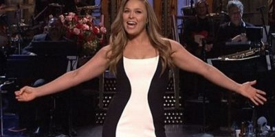 """Ronda Rousey en el programa de televisión estadounidense """"Saturday Night Live"""". Foto:vía NBC"""
