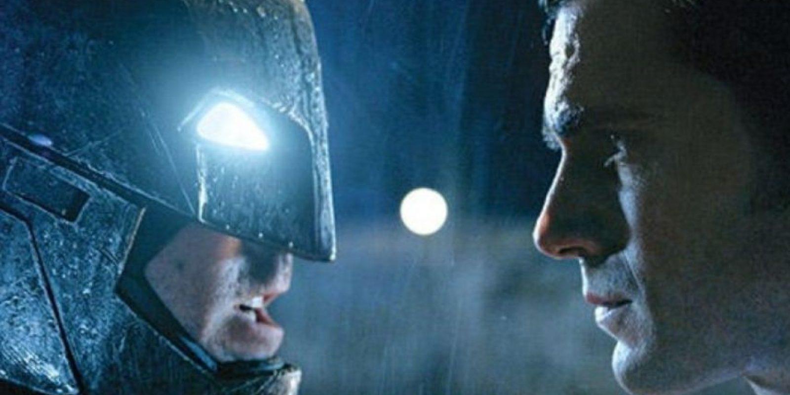"""""""Batman"""" y """"Superman"""" se enfrentarán por primera vez. Foto:Vía Twitter/EW"""
