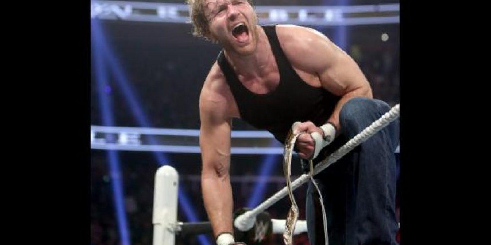 En un desgastante combate, Dean Ambrose retuvo el Campeonato Intercontinental Foto:WWE