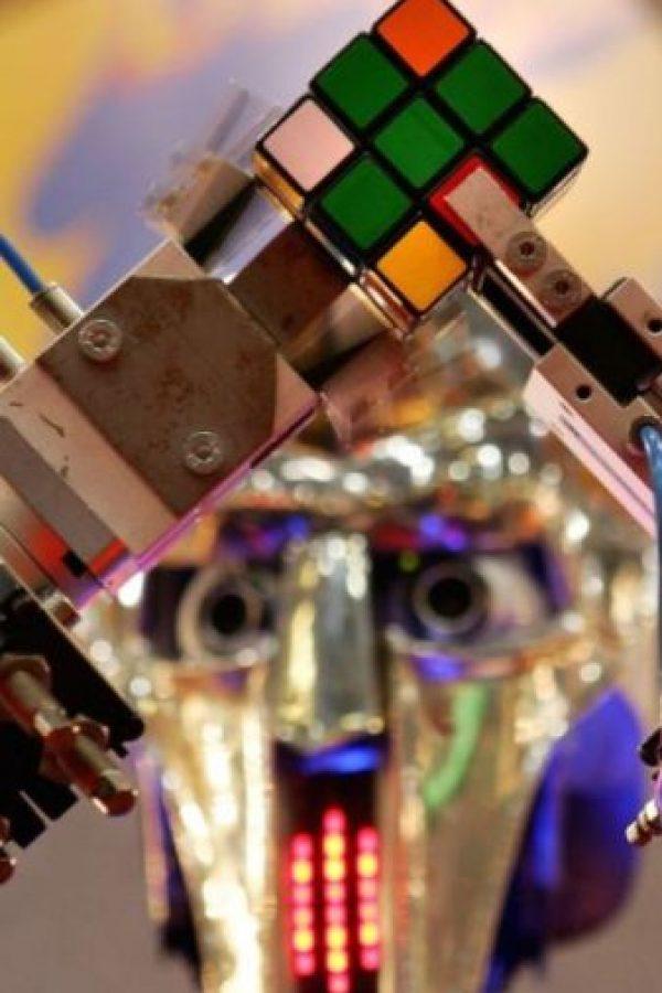 El cubo de Rubik tiene exactamente 43.252.003.274.489.856.000 combinaciones posibles. Foto:Getty Images