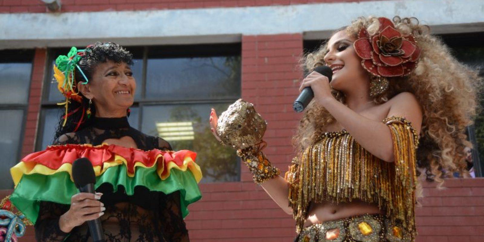 La Reina del Carnaval de Barranquilla junto a Ninfa Barrios quien personifica a La Loca en el Carnaval. Foto:Carnaval S.A.