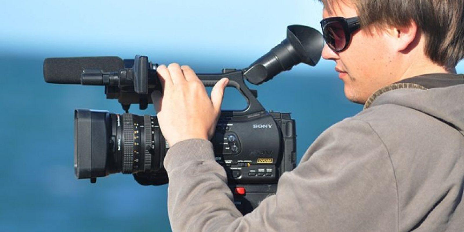Un camarógrafo gana de 500 a 700 dólares por película. Foto:Flickr