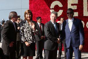 Saludo oficial de Rafael Correa y Juan Manuel Santos Foto:Agencia de Noticias Andes