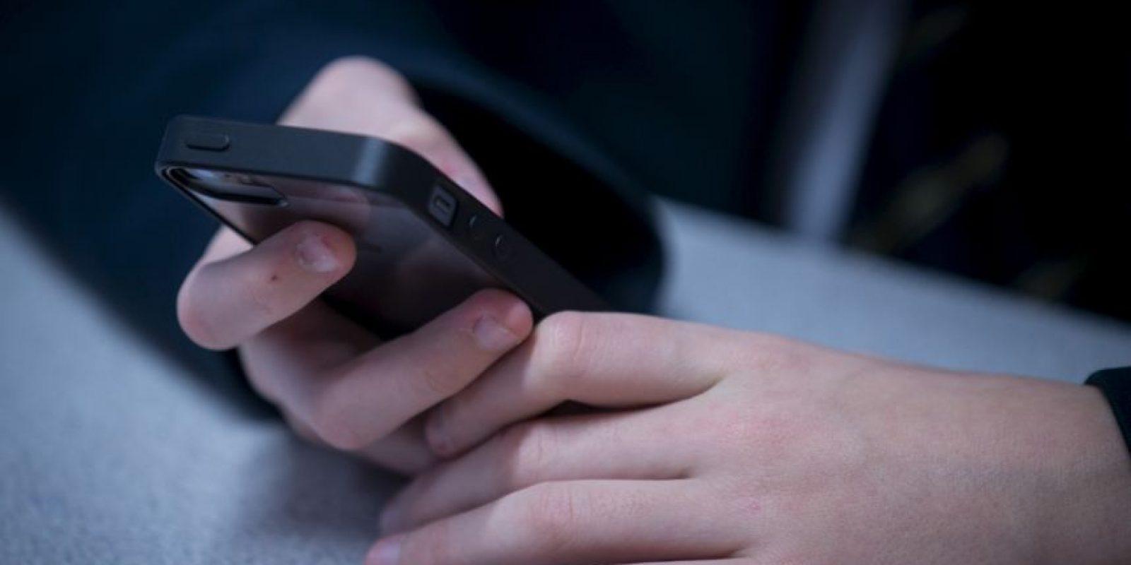 Nunca lean ni escriban mensajes de texto mientras estén al volante. Foto:Getty Images