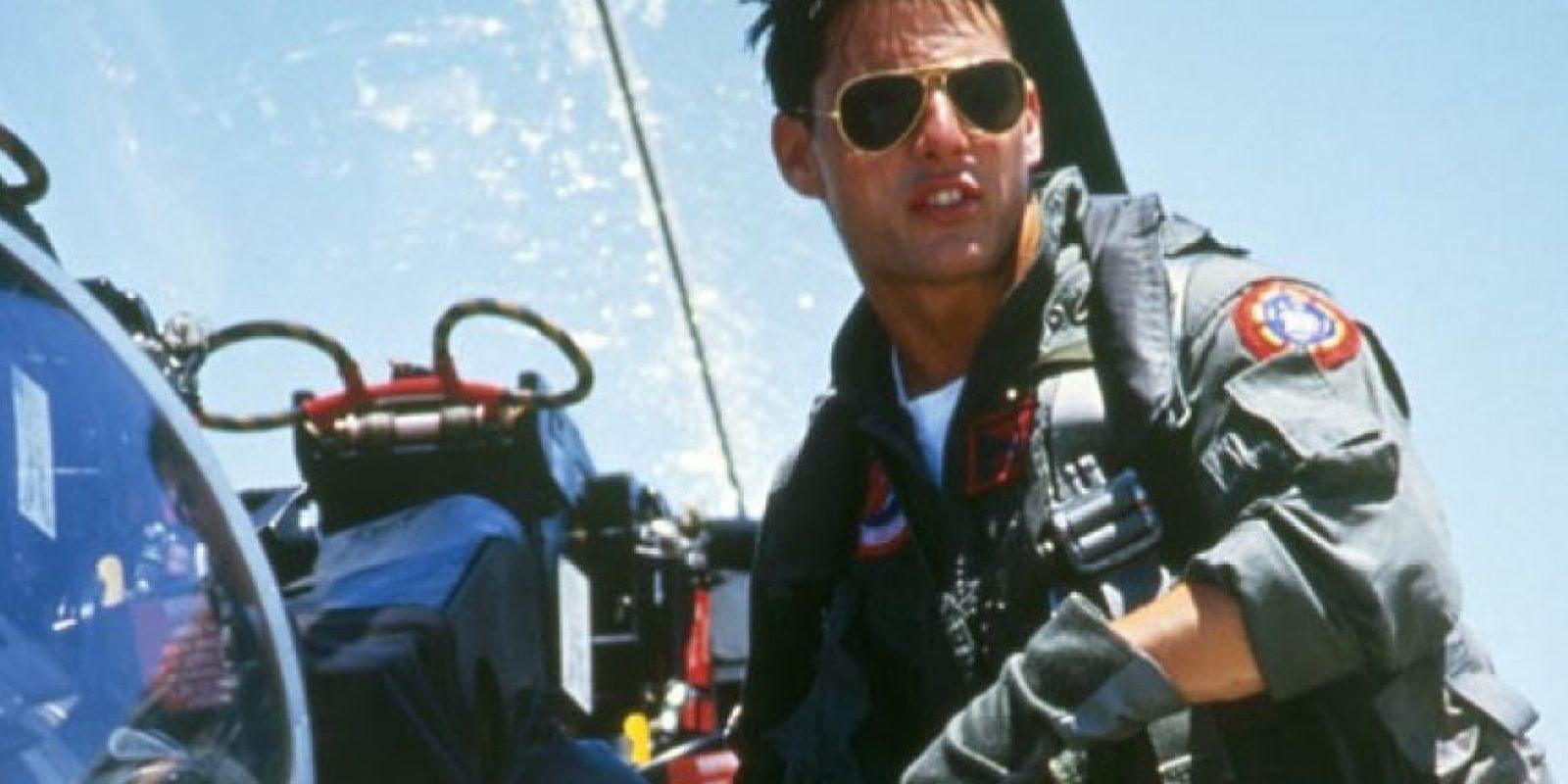 Thomas Cruise Mapother IV (Siracusa, Nueva York; 3 de julio de 1962), más conocido como Tom Cruise, es un actor estadounidense. Ha protagonizado películas como Risky Business, Top Gun, El color del dinero, La guerra de los mundos, Días de trueno, Rain Man, Entrevista con el vampiro, Eyes Wide Shut, Minority Report, El último samurái, Operación Valquiria, La era del rock y la saga de Misión: Imposible. Foto:Internet