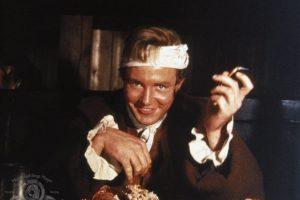 Albert Finney (Londres; 9 de mayo de 1936), es un actor británico de larga trayectoria filmográfica, nominado cinco veces al premio Oscar y ganador de múltiples premios: tres Globos de Oro, dos premios BAFTA, Oso de Plata del Festival de Berlín y Copa Volpi de Venecia. Foto:Internet