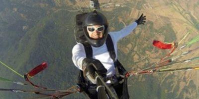 Al aventarse del paracaídas. Foto:Vía Instagram.com/amazingselfie