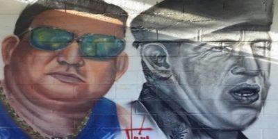El penúltimo recuerdo para el 'pran' es un graffiti donde aparece junto a Hugo Chávez, uno de sus grandes héroes. Foto:Vía Twitter