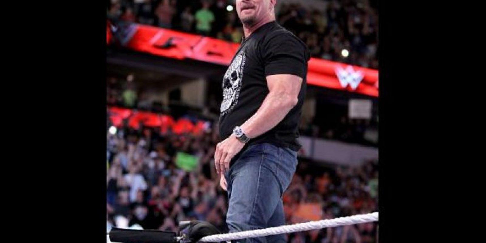 """La """"Serpiente Cascabel"""" aparece en el promocional del magno evento Foto:WWE"""