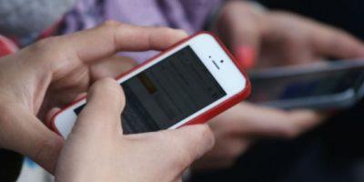 Las apps de mensajería instantánea están dejando de lado los SMS. Foto:Getty Images