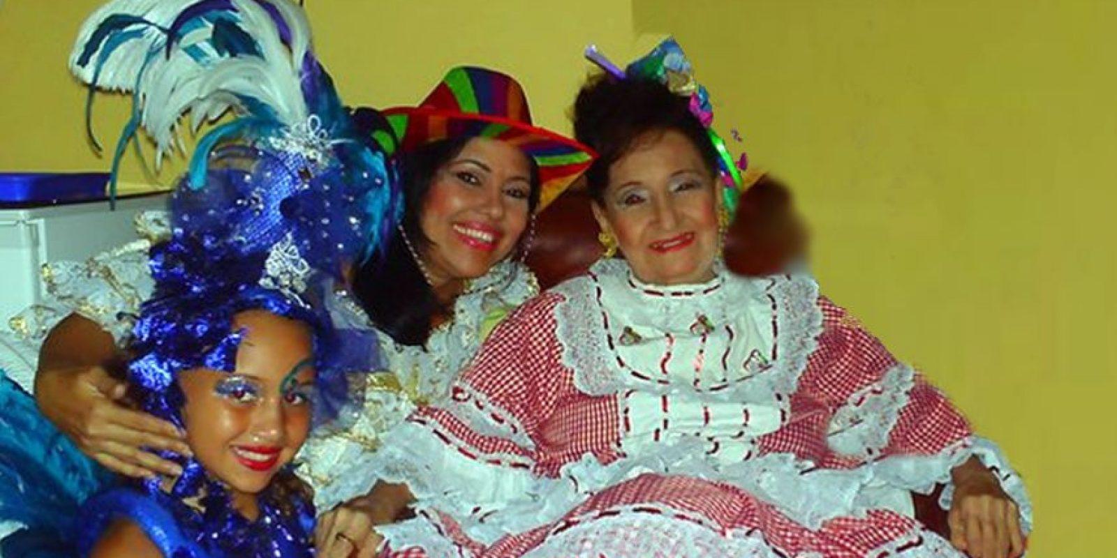 Teresa junto a su hija y abuela. Foto:Teresa González