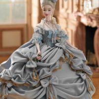 Tal y como aparece en sus cuadros antes de estar en el Petit Trianón Foto:Mattel