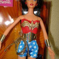 Hizo parte de una colección especial de heroínas y villanas de DC Cómics. Foto:Mattel