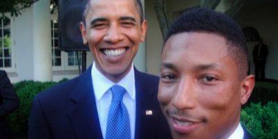 El mandatario tiene un gran álbum de fotografías con músicos como Pharrell Williams. Foto:Vía Twitter