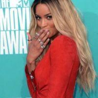 Antes de concluir su divorcio, Ciara portaba orgullosa su anillo de 1.5 millones de dólares. Foto:Getty Images
