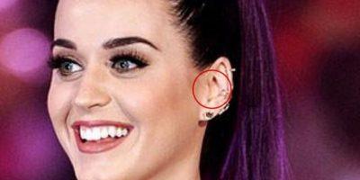 Trago: la protuberancia de cartílago que está en la parte frontal de la oreja.