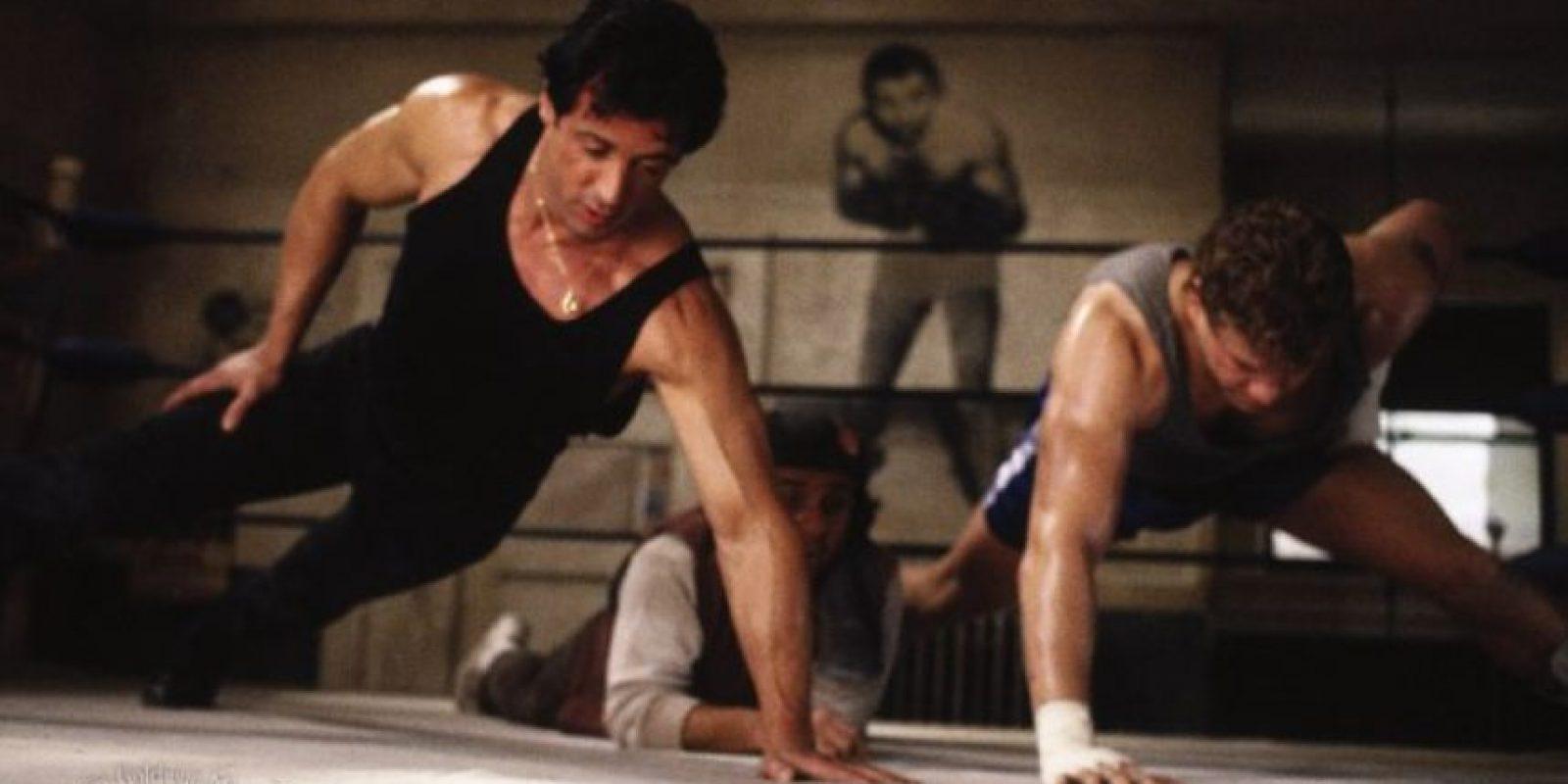 """Apadrina a """"Tommy Gunn"""", que lo desafía, ya que él solo quiere proclamarse Campeón Mundial. Foto:vía United Artists"""