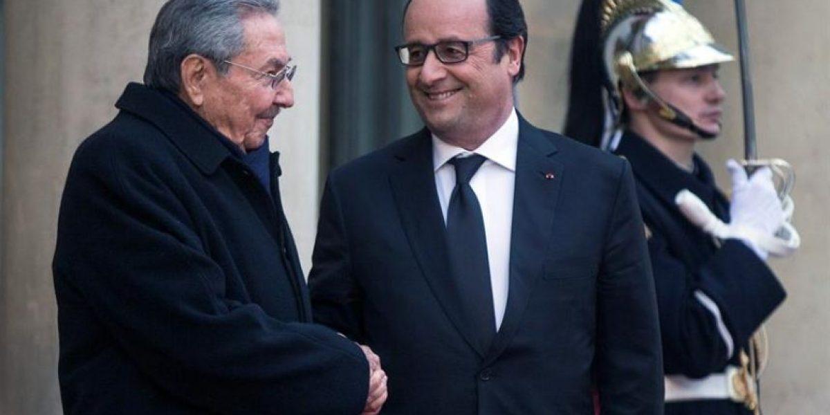Raúl Castro en Francia es recibido con los máximos honores