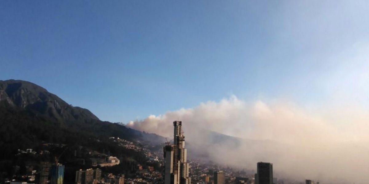 Reportan grave incendio forestal en cerros orientales de Bogotá