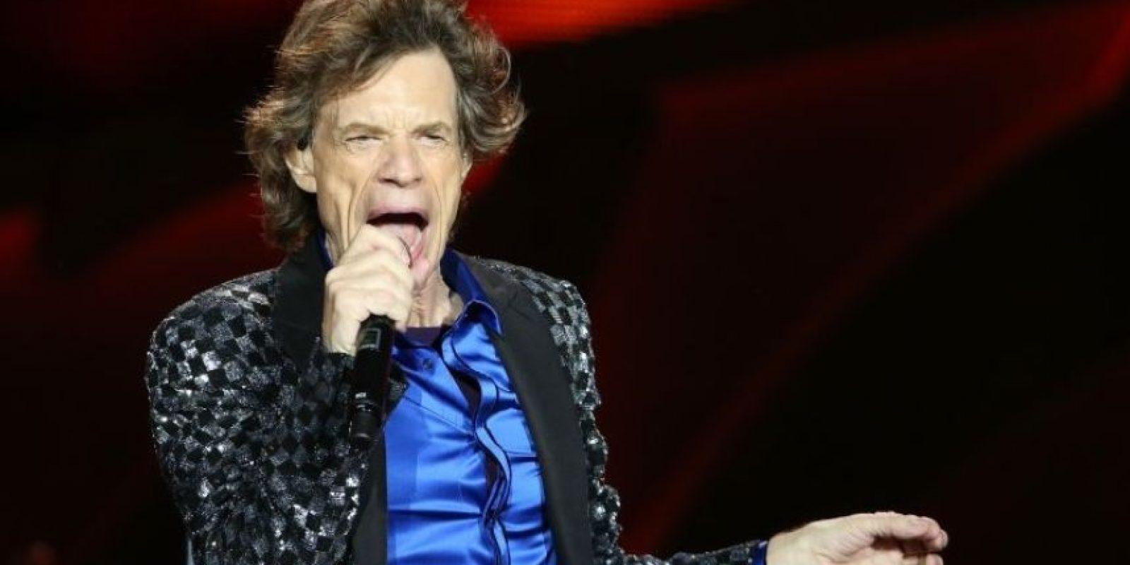 En los años 90, la modelo brasileña Luciana Giménez Morad aseguró estar embarazada de Mick Jagger. El cantante se hizo una prueba de paternidad y dio positivo. Desde entonces, Jagger paga 10 mil dólares al mes por su hijo, lo hará hasta que éste cumpla 21 años Foto:Getty Images
