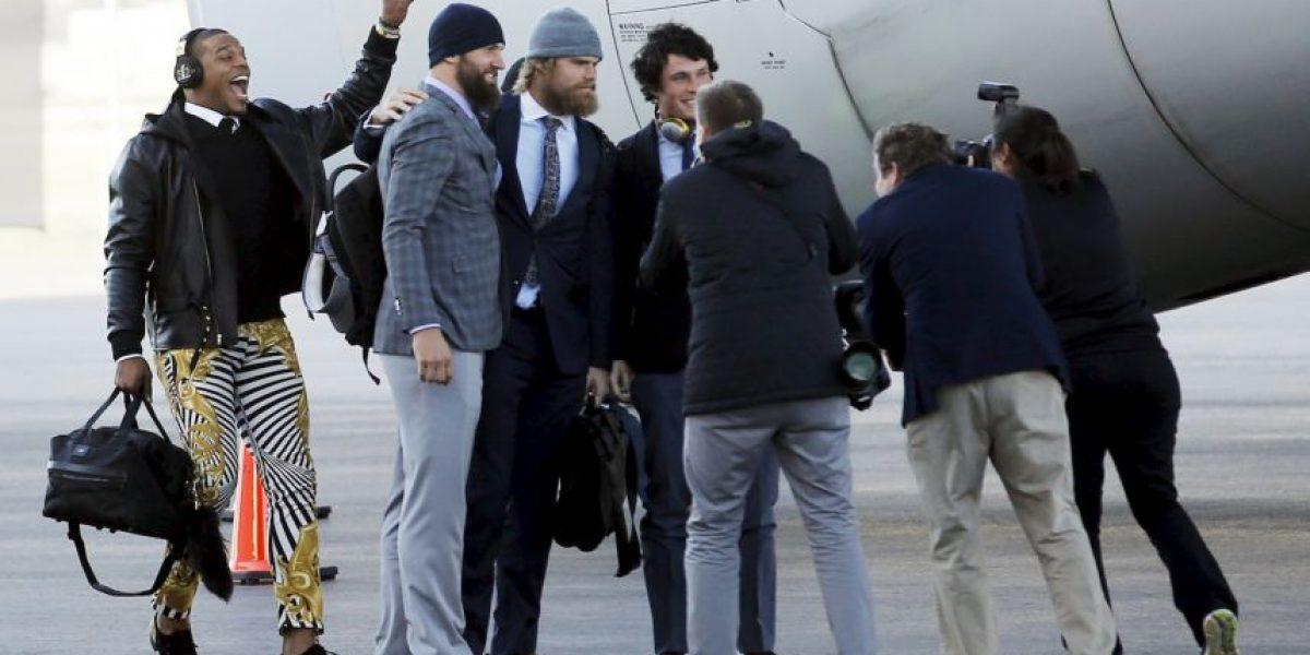 Cam Newton y su exótico pantalón previo al Super Bowl 50