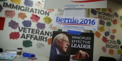 Hillary Clinton y Bernie Sanders llegan casi empatados en el Partido Demócrata. Foto:AFP