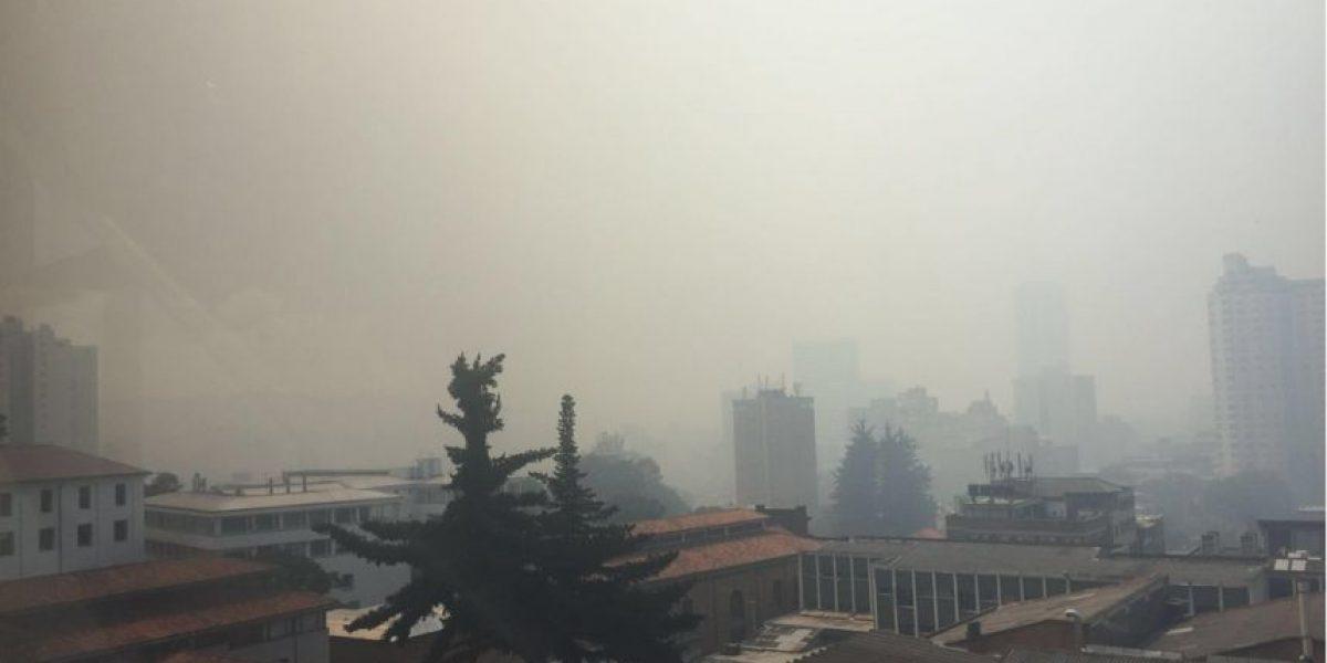 Continúan operaciones para controlar incendios en cerros orientales de Bogotá