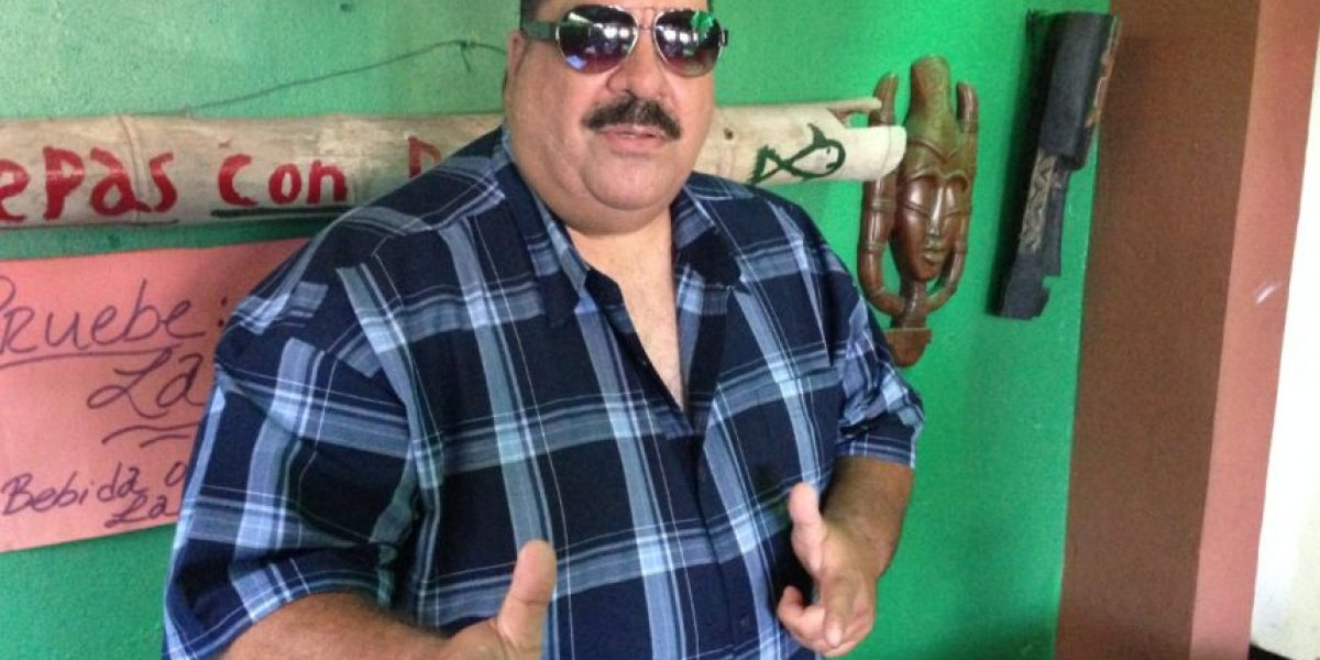 Carla Anakari publica fotos de Maelo Ruíz para desmentirlo