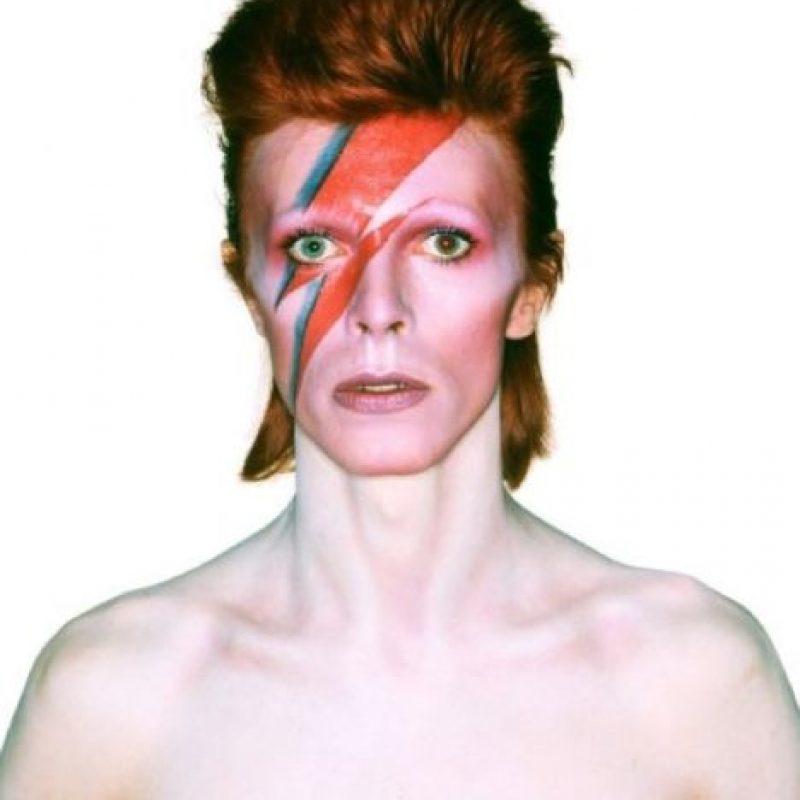 Para sus seguidores, este rockero británico poseía un toque de misticismo y sus ojos no fueron la excepción, ya que parecían ser de distinto color. Foto:Getty Images