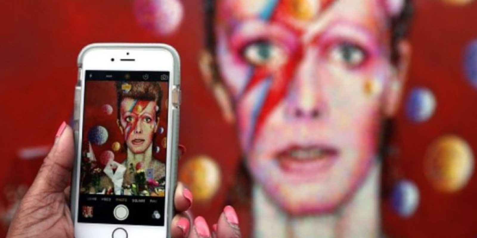 Eran del mismo color, sin embargo, su iris dilatado hacía lucir sus ojos de distintos tonos. Foto:Getty Images