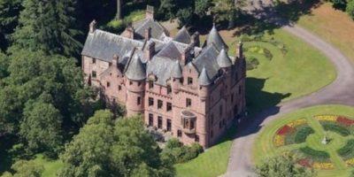 2. El castillo que compró en Escocia. Foto:Vía Pinterest.com