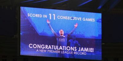 Tiene el récord de más partidos seguidos anotando (11) Foto:Getty Images