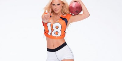 Además de ser luchadora, es cantante, bailarina y modelo. Foto:WWE