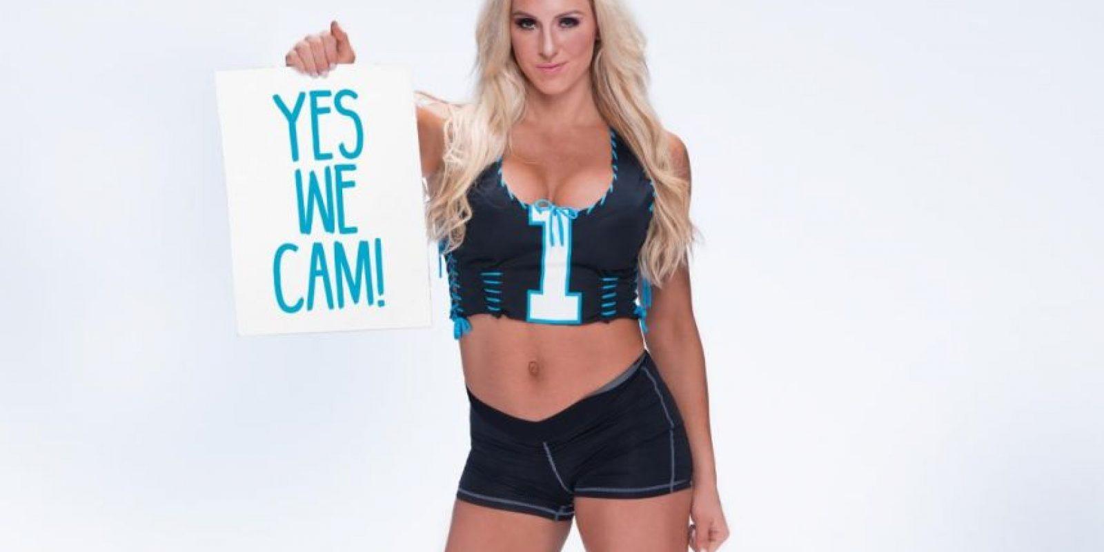 Y ella es del bando de Cam Newton. Foto:WWE