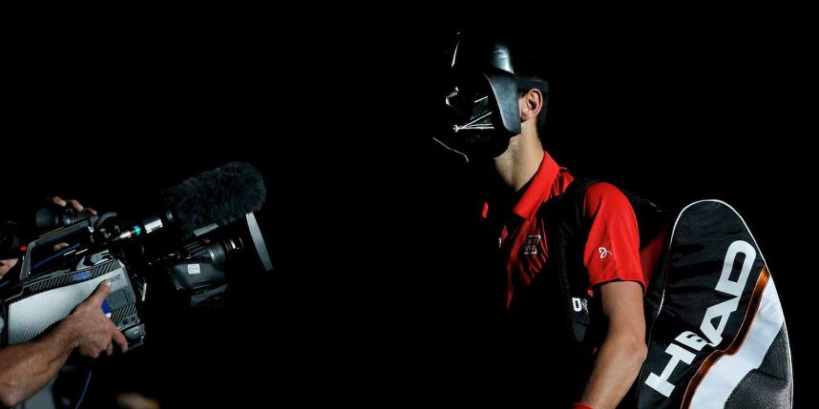 6. No es Halloween, pero pueden usar una máscara de Darth Vader como Novak Djokovic. Foto:Getty Images