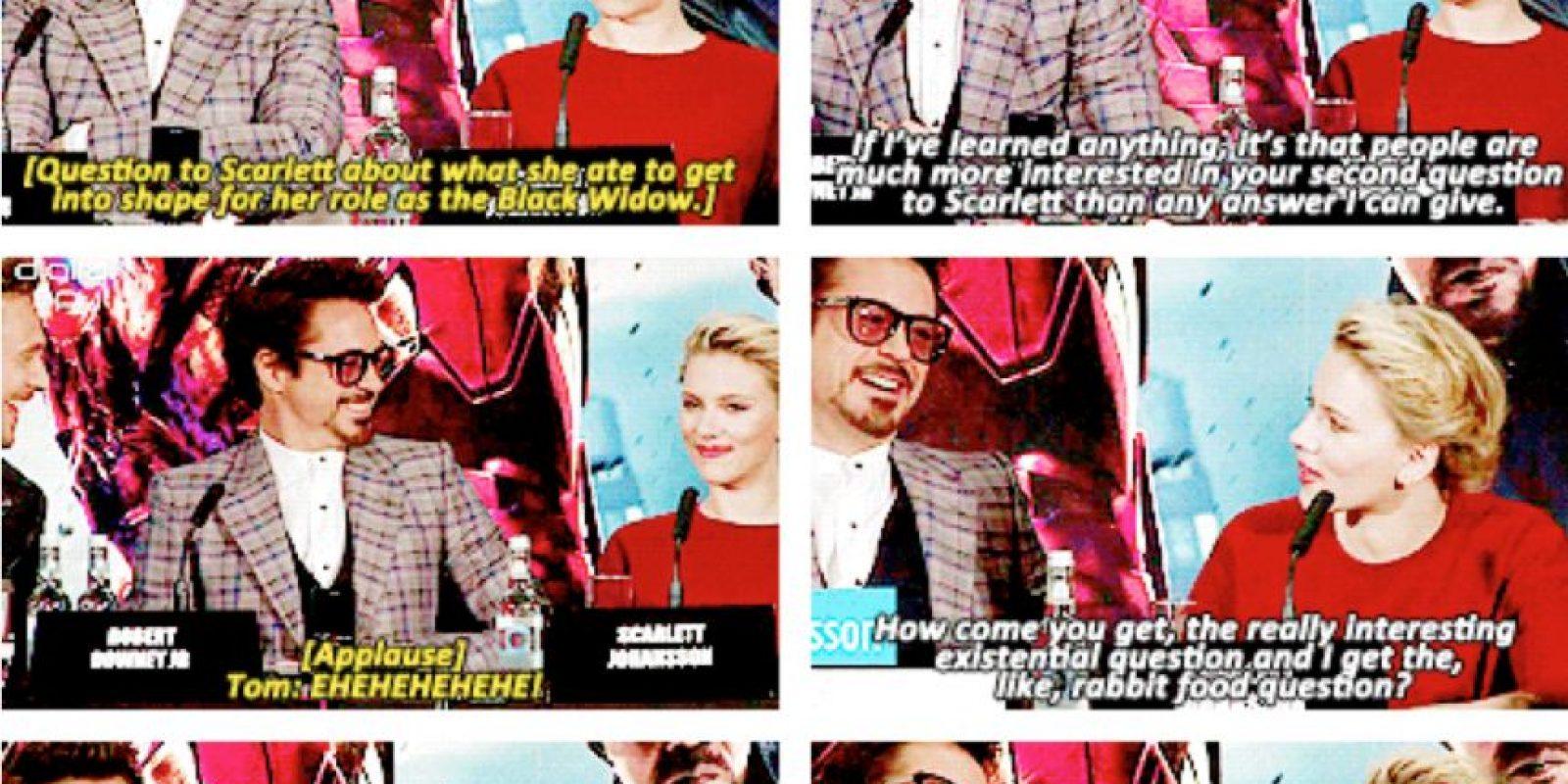 """También le preguntan en la primera parte """"cómo se puso en forma"""". Robert Downey Jr. contesta por ella. """"He aprendido que cuando le preguntan a ella qué come, eso es más interesante que lo que yo pueda decir"""". Scarlett solo contesta: """"Entrenas mucho y comes montones de cosas verdes"""". Foto:vía Tumblr"""