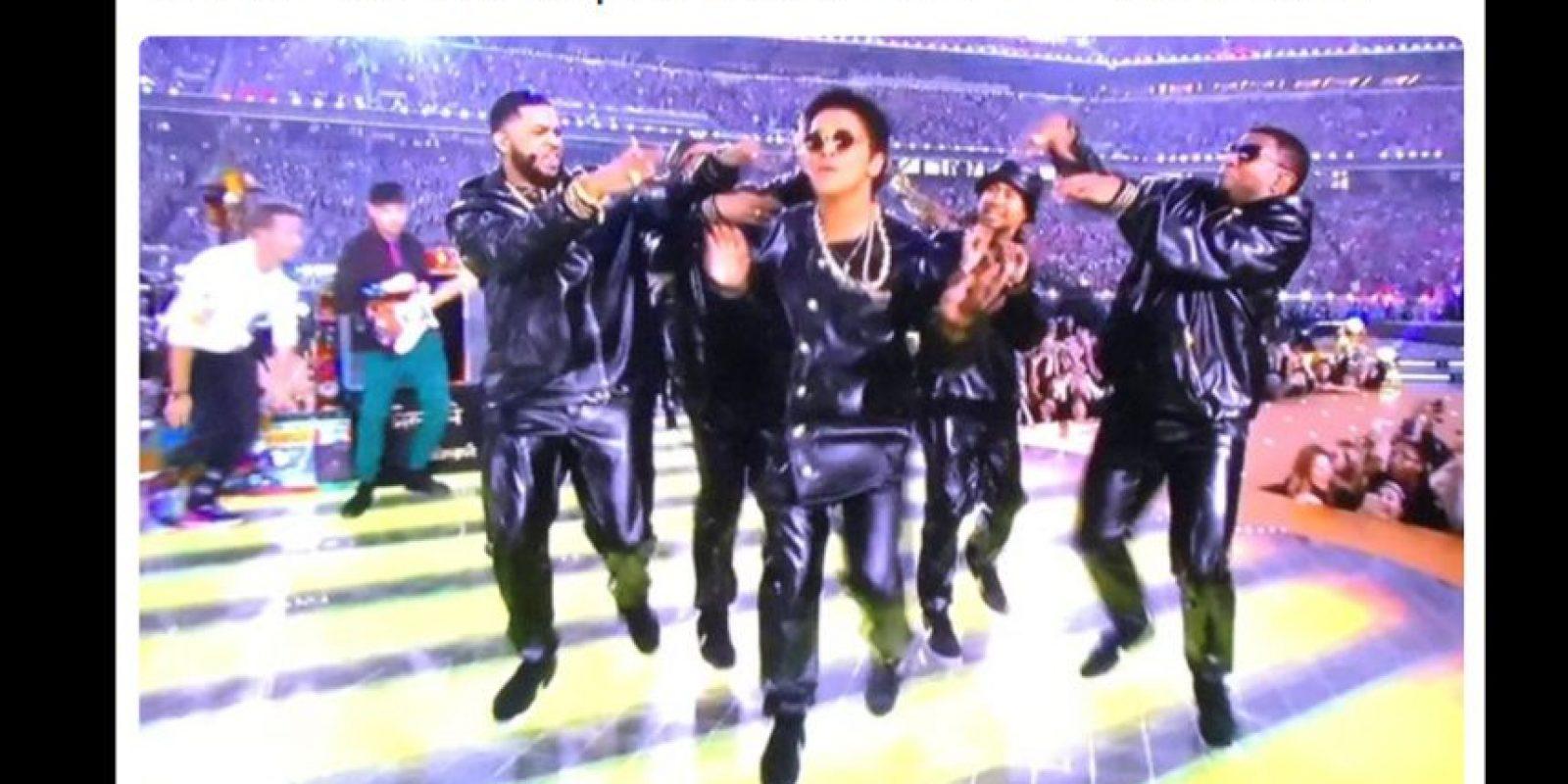 Bruno Mars no se salvó de las burlas. Foto:Vía twitter.com