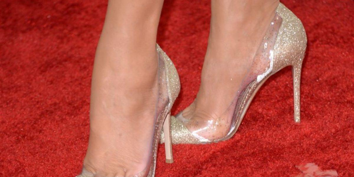 ¿Están de moda los zapatos transparentes?