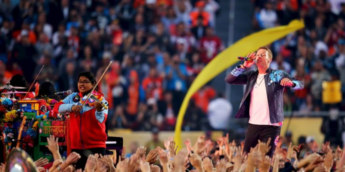 Fotos: Coldplay llena de amor y colores el Super Bowl 50