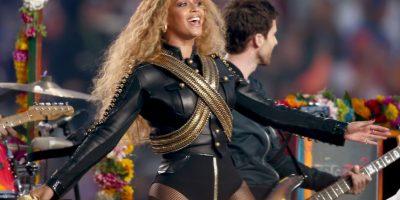 Su atuendo fue lo que más llamó la atención durante el show. Foto:Getty Images