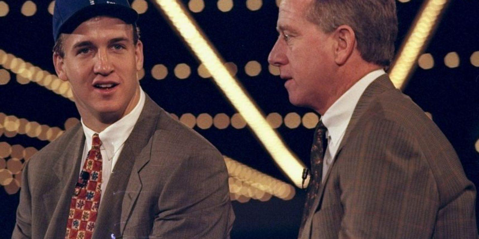 1998, cuando es presentado por Indianapolis Colts Foto:Getty Images