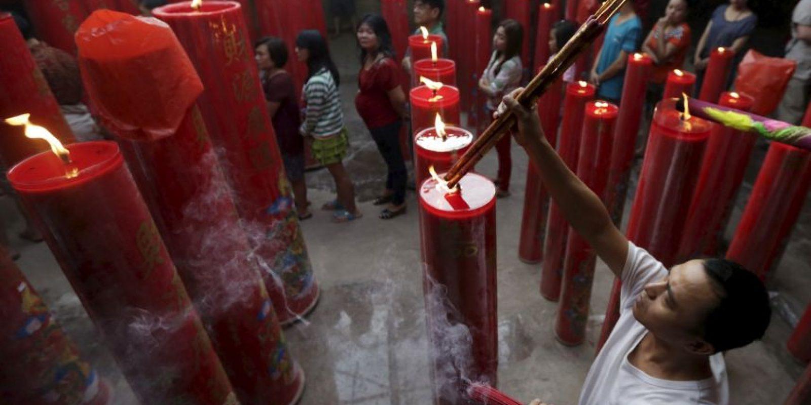 Muchas familias se unen ofreciendo cenas en la víspera del Año Nuevo. Foto:AP