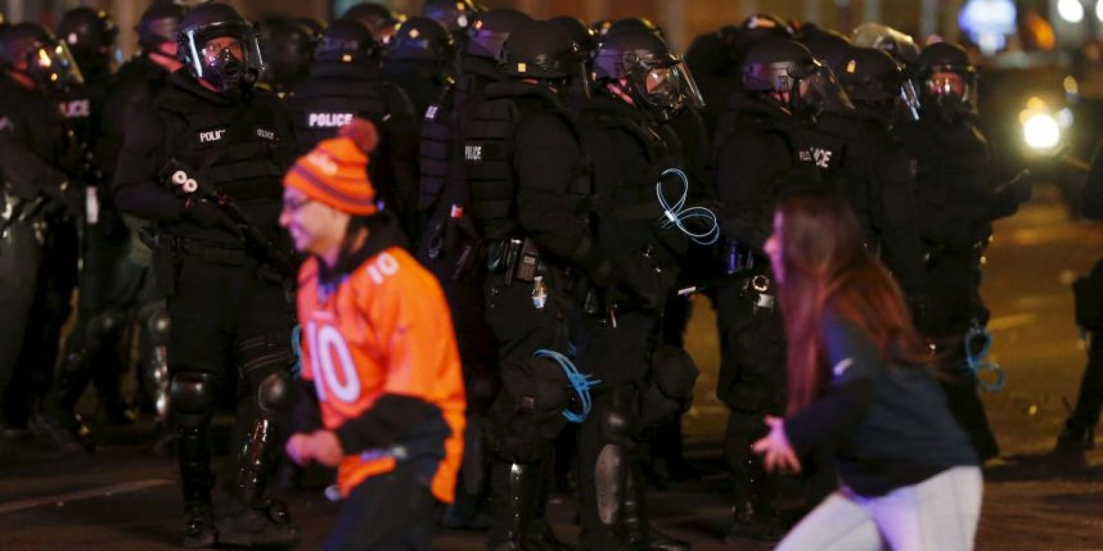 Así festejaron los campeones Broncos de Denver el título en el Super Bowl 50 Foto:AP