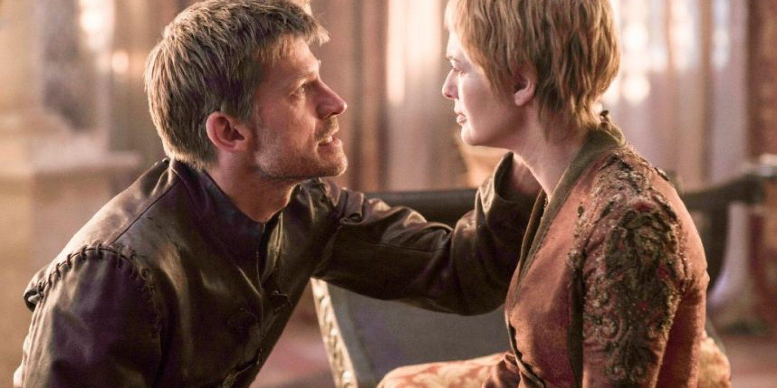 Jaime vuelve de Dorne con pésimas noticias para Cersei. No es para menos, ya que los Sand han envenenado a Myrcella. Foto:Vía Facebook/Game of Thrones