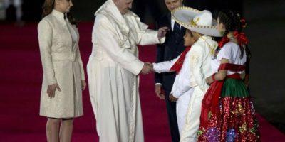 Luego de dar unos cuantos saludos se traslado a la Nunciatura Apostólica. Foto:AP